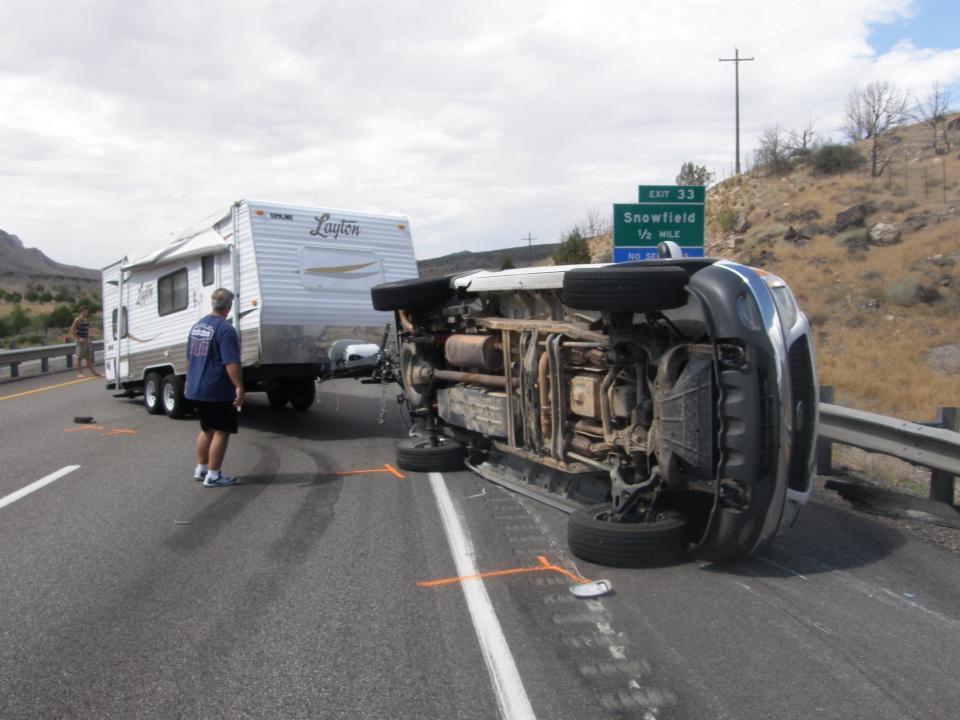 Truck Pulling Travel Trailer Overturns On I 15 Cedar