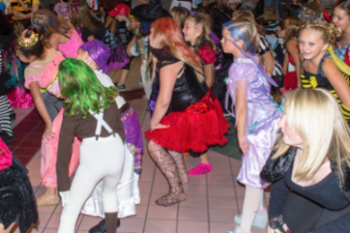 When Is Halloween Celebrated In Hurricane Utah For 2020 Fuzion flash mob tricks Red Cliffs Mall goers with dancing treat