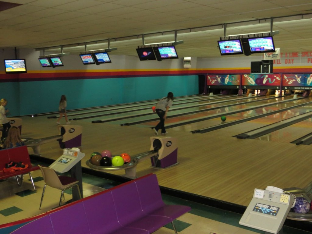 wallinford bowling center Hosted company meeting and event at brunswick zone colony lanes and it was a smooth process from planning to booking to day of event staff is amazing and very helpful brunswick zone colony lanes - 18 reviews - bowling - 600 s colony rd, wallingford, ct - phone number - yelp.